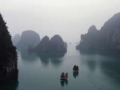 junks-in-ha-long-bay