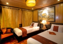 Halong bay indochina Sails cruise twin cabin